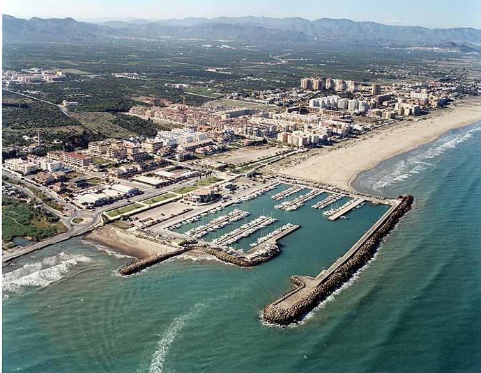 El puerto de valencia tendr un nuevo fabricante de autom viles como cliente oconowocc - Tanatorio puerto de sagunto ...