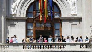 gente-balcon--575x323